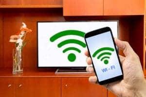 Come collegare lo schermo dello smartphone al TV