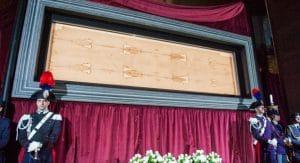 Ostensione straordinaria della Sindone, dove vederla in TV e streaming